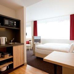 Отель Vienna House Easy München Германия, Мюнхен - 1 отзыв об отеле, цены и фото номеров - забронировать отель Vienna House Easy München онлайн комната для гостей фото 4