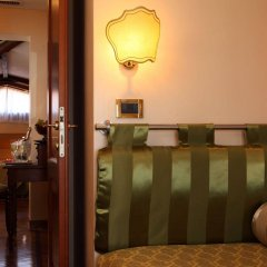 Отель Pensione Accademia - Villa Maravege Италия, Венеция - отзывы, цены и фото номеров - забронировать отель Pensione Accademia - Villa Maravege онлайн интерьер отеля фото 3