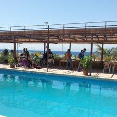 Darna Village Beach Hostel бассейн