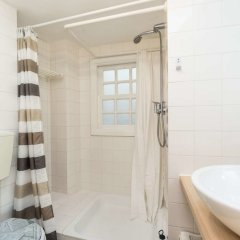 Апартаменты Lisbon Cosy in the Castle Apartment ванная