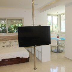 Апартаменты Beach And Park Apartment Тель-Авив удобства в номере