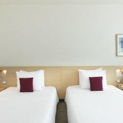 Отель Novotel Zurich City-West Швейцария, Цюрих - 9 отзывов об отеле, цены и фото номеров - забронировать отель Novotel Zurich City-West онлайн комната для гостей фото 3