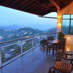Отель Amaara Sky Канди балкон