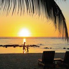 Отель Victoria Beachcomber Resort & Spa пляж фото 3