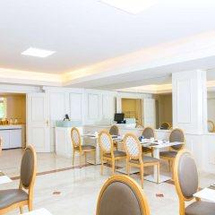 Отель NH Rex гостиничный бар
