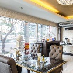 Отель Green Bells Residence New Petchburi Бангкок питание