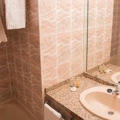 Hotel AR Roca Esmeralda & Spa ванная фото 2