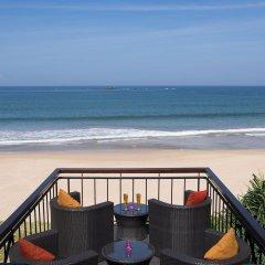 Отель Avani Bentota Resort Шри-Ланка, Бентота - 2 отзыва об отеле, цены и фото номеров - забронировать отель Avani Bentota Resort онлайн пляж фото 2