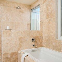 Отель Sailrock Resort- Island Hop Flight Included ванная