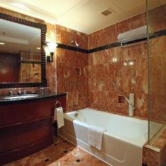 Отель Diamond Hotel Philippines Филиппины, Манила - отзывы, цены и фото номеров - забронировать отель Diamond Hotel Philippines онлайн ванная