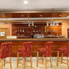 Ramada Airport Hotel Prague гостиничный бар