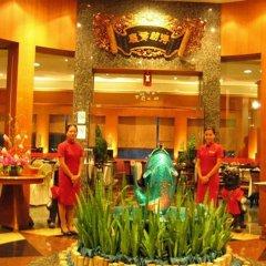 Отель Four Wings Бангкок интерьер отеля