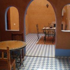 Отель Riad Aicha Марокко, Мерзуга - отзывы, цены и фото номеров - забронировать отель Riad Aicha онлайн удобства в номере