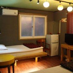 Отель Mr.Comma Guesthouse - Hostel Южная Корея, Сеул - отзывы, цены и фото номеров - забронировать отель Mr.Comma Guesthouse - Hostel онлайн комната для гостей фото 2