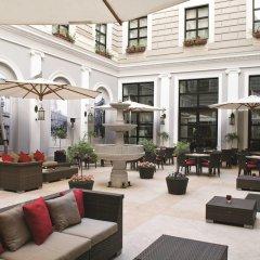 Отель Marriott Tbilisi Грузия, Тбилиси - 2 отзыва об отеле, цены и фото номеров - забронировать отель Marriott Tbilisi онлайн интерьер отеля фото 2
