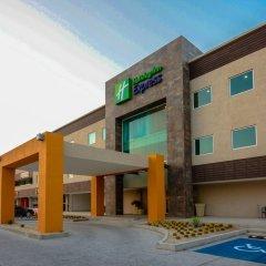 Отель Holiday Inn Express Cabo San Lucas Кабо-Сан-Лукас парковка