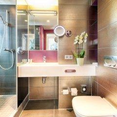 Отель Indigo Berlin-Alexanderplatz Германия, Берлин - отзывы, цены и фото номеров - забронировать отель Indigo Berlin-Alexanderplatz онлайн ванная фото 2