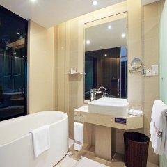 Отель Huaqiang Plaza Hotel Shenzhen Китай, Шэньчжэнь - 1 отзыв об отеле, цены и фото номеров - забронировать отель Huaqiang Plaza Hotel Shenzhen онлайн ванная фото 2