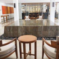 Отель Woodlands Suites Serviced Residences интерьер отеля