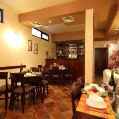 Bizev Hotel Банско гостиничный бар