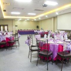 Отель Eurotel Makati Филиппины, Макати - отзывы, цены и фото номеров - забронировать отель Eurotel Makati онлайн помещение для мероприятий