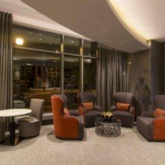 Отель Global Luxury Suites at Woodmont Triangle South гостиничный бар