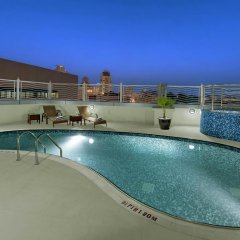 Landmark Premier Hotel бассейн фото 3