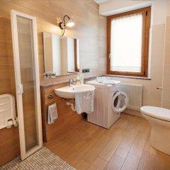 Отель Albergo Diffuso Tolmezzo Soc.Coop.Ar.L. Кьюзафорте ванная фото 2