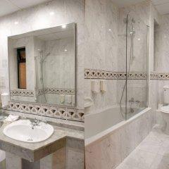 Pergola Hotel & Spa ванная фото 2