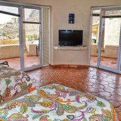 Отель Casa Lorena 4 Bedrooms 3.5 Bathrooms Home Педрегал комната для гостей фото 5