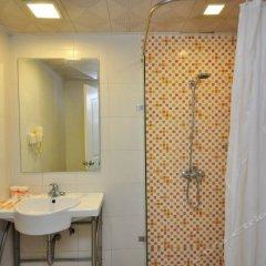 Отель Home Inn Hotel Guangzhou Huangsha Avenue Китай, Гуанчжоу - отзывы, цены и фото номеров - забронировать отель Home Inn Hotel Guangzhou Huangsha Avenue онлайн ванная фото 2