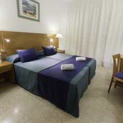 Отель azuLine Hotel S'Anfora & Fleming Испания, Сан-Антони-де-Портмань - отзывы, цены и фото номеров - забронировать отель azuLine Hotel S'Anfora & Fleming онлайн комната для гостей фото 2