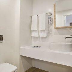 Ginosi Pedralbes Hotel Барселона ванная фото 2