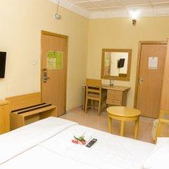 Отель EEMJM Hotels and Suites Limited удобства в номере