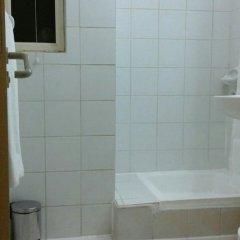 Отель Al Raien Hotel Apartment ОАЭ, Дубай - отзывы, цены и фото номеров - забронировать отель Al Raien Hotel Apartment онлайн ванная фото 2