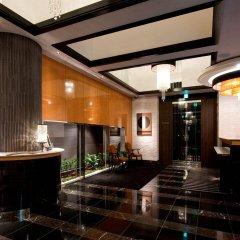 Отель APA Hotel Kodemmacho-Ekimae Япония, Токио - 2 отзыва об отеле, цены и фото номеров - забронировать отель APA Hotel Kodemmacho-Ekimae онлайн интерьер отеля фото 2