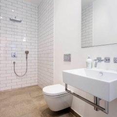 Апартаменты Contemporary Studio in Swiss Cottage ванная фото 2
