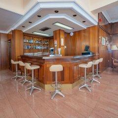 Отель Hostal Gallet Испания, Курорт Росес - отзывы, цены и фото номеров - забронировать отель Hostal Gallet онлайн гостиничный бар