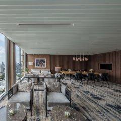 Отель 137 Pillars Suites Bangkok интерьер отеля фото 2