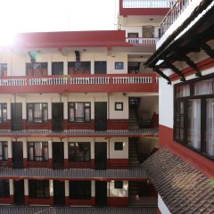 Отель Thamel Eco Resort Непал, Катманду - отзывы, цены и фото номеров - забронировать отель Thamel Eco Resort онлайн интерьер отеля