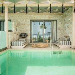 Отель Blue Carpet Luxury Suites Греция, Ханиотис - отзывы, цены и фото номеров - забронировать отель Blue Carpet Luxury Suites онлайн бассейн фото 2