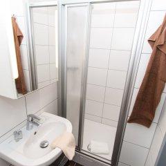 Отель CheckVienna - Apartment Familienplatz Австрия, Вена - отзывы, цены и фото номеров - забронировать отель CheckVienna - Apartment Familienplatz онлайн ванная фото 2