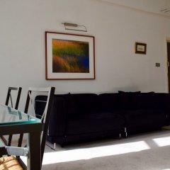 Отель 1 Bedroom Townhouse Apartment in Notting Hill Великобритания, Лондон - отзывы, цены и фото номеров - забронировать отель 1 Bedroom Townhouse Apartment in Notting Hill онлайн комната для гостей фото 4