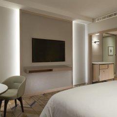 Отель Sheraton Imperial Kuala Lumpur Hotel Малайзия, Куала-Лумпур - 1 отзыв об отеле, цены и фото номеров - забронировать отель Sheraton Imperial Kuala Lumpur Hotel онлайн удобства в номере фото 2