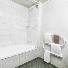 Отель Colonial Manor Motel ванная