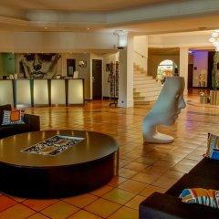 Hotel Arles Plaza Арль интерьер отеля