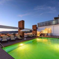 TRYP Córdoba Hotel бассейн