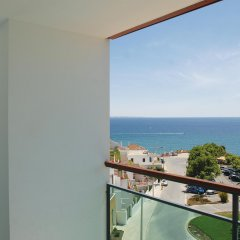 Отель Villa Doris Suites балкон