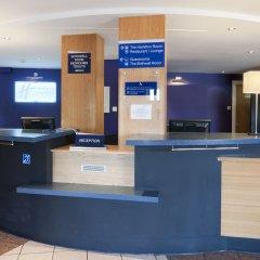 Отель Holiday Inn Express Strathclyde Park M74 JCT 5 Великобритания, Глазго - отзывы, цены и фото номеров - забронировать отель Holiday Inn Express Strathclyde Park M74 JCT 5 онлайн интерьер отеля фото 3