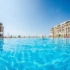 Отель Апарт-Отель Premier Fort Beach Болгария, Свети Влас - отзывы, цены и фото номеров - забронировать отель Апарт-Отель Premier Fort Beach онлайн бассейн